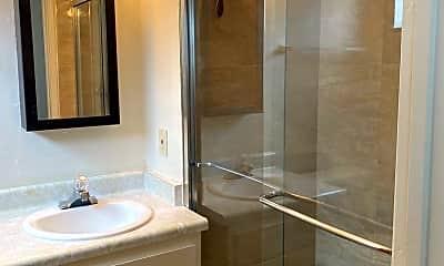 Bathroom, 1619 Broadway, 2