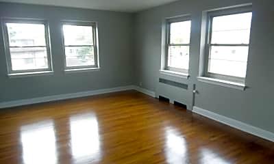 Living Room, 25 N Franklin St, 0