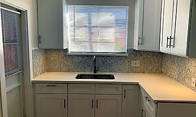 Kitchen, 4153 Marlton Ave, 1