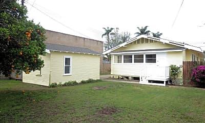 Building, 133 N Citrus St, 2
