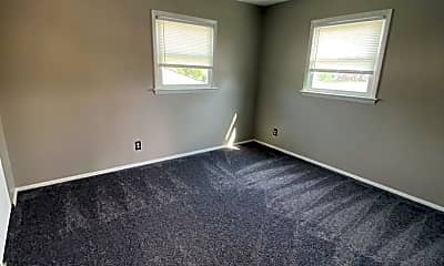 Living Room, 2705 N Lincoln Ave, 2