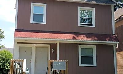 Building, 928 S Center St, 1