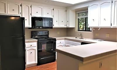 Kitchen, 5021 Cedar Dr, 1