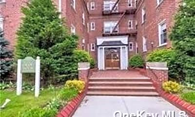 55 Grand Ave 2A, 0