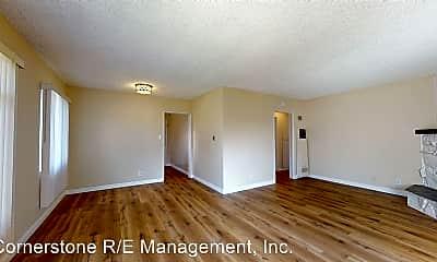 Living Room, 916 N 1st St, 1
