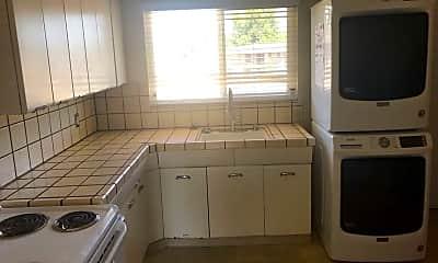 Kitchen, 1273 Parkington Ave, 2