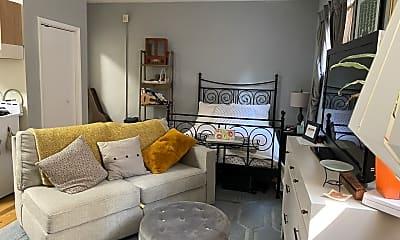 Living Room, 918 Pine St, 0