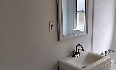 Bathroom, 2360 Cedar Ave, 2