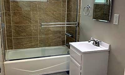 Bathroom, 1550 Henderson Ave, 2