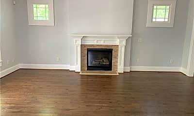 Living Room, 2690 Fairlee Dr, 1