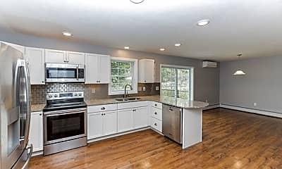 Kitchen, 708 Roxbury Rd, 1