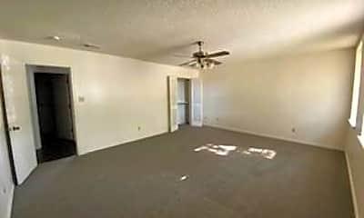Living Room, 3100 Inglewood St, 2