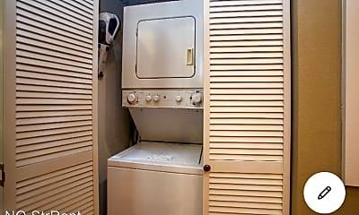 Bathroom, 1544 Camp St, 2