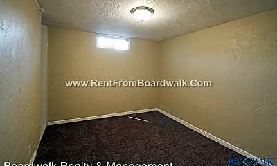 Bedroom, 1325-1327 Illinois Ave, 2