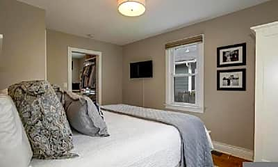 Bedroom, 819 N Barton St, 0