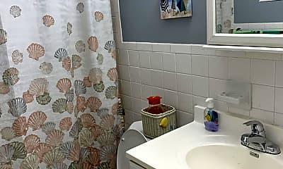 Bathroom, 3620 Ocean Beach Blvd 2, 2