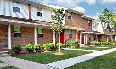 Building, White Pine Townhomes and Apartments, 2
