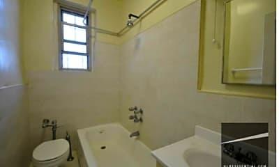 Bathroom, 45 Tehama St, 2