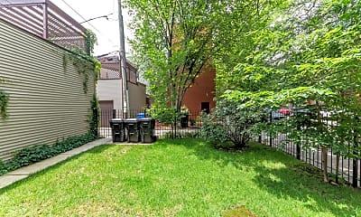 Building, 544 N Hermitage Ave, 2