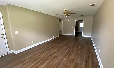 Living Room, 1215 Beaver Creek Dr, 1