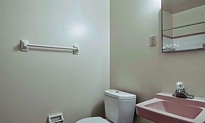 Bathroom, Georgetown Manor, 2