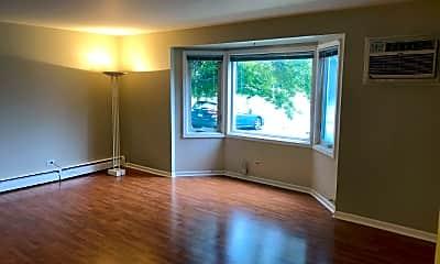 Living Room, 518 W Miner St, 1