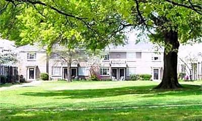 Building, 585 E Pkwy S 29, 0