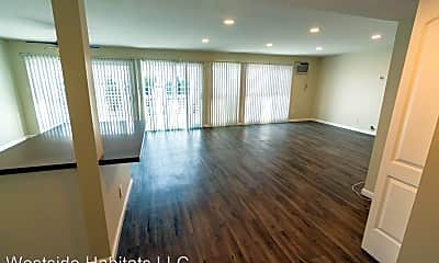 Living Room, 8375 Fountain Ave, 2