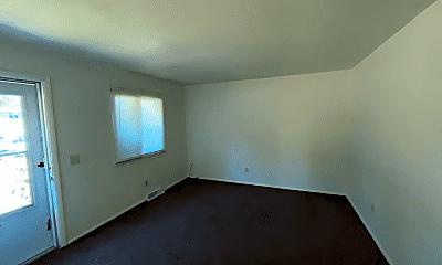 Building, 2935 N Erie St, 1