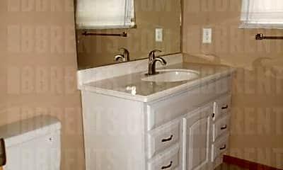 Bathroom, 3711 Long Ln, 2