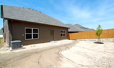 Building, 13213 Henneman Dr, 2