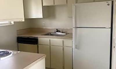 Kitchen, 136 Skyline Dr, 1