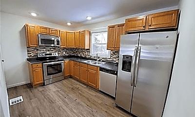 Kitchen, 1008 Hudson St, 1