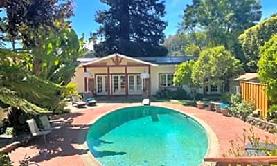 Pool, 307 Tennessee Ave, 1