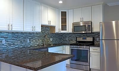 Kitchen, 450 California St, 1