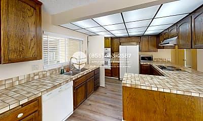 Kitchen, 920 Arikara Dr, 1