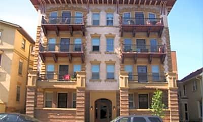Building, 202 - 214 N Pinckney St, 1