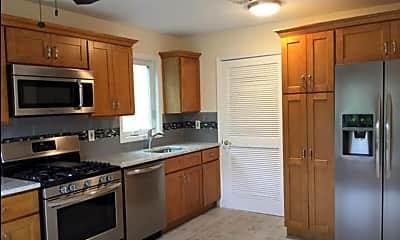 Kitchen, 206 Pear Dr, 1