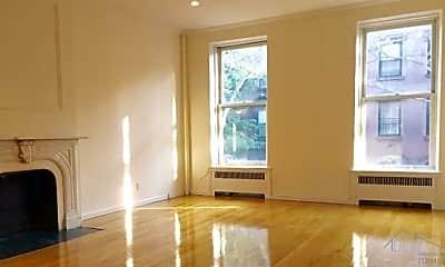Living Room, 31 Remsen St, 0