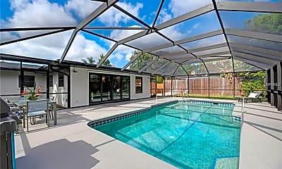 Pool, 5809 Wildwood Ave, 2