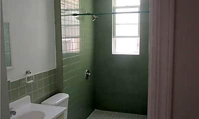 Bathroom, 17-20 Grove St, 1