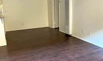 Living Room, 245 S Rampart Blvd, 1