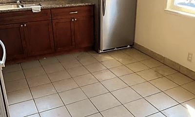 Kitchen, 581 Avalani Ave, 2