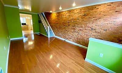 Building, 305 S Lehigh St, 1