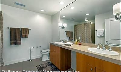 Bathroom, 500 Broadway St. #509, 2