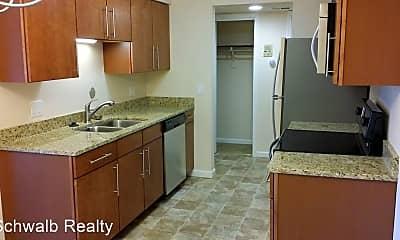Kitchen, 535 Fortune Dr, 1