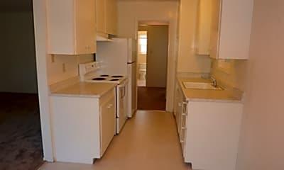 The Oaks Apartment, 2
