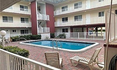Pool, 7910 Taft St 305, 0