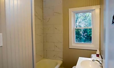 Bathroom, 798 N Grantley St, 1