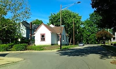 Building, 1128 Windsor St, 2